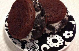 Cookies & Cream Cupcakewich