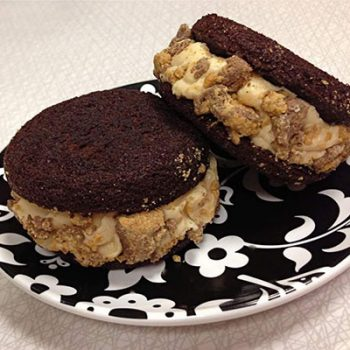 Peanut Butter Cup Cupcakewich