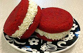 Red Velvet Cupcakewich