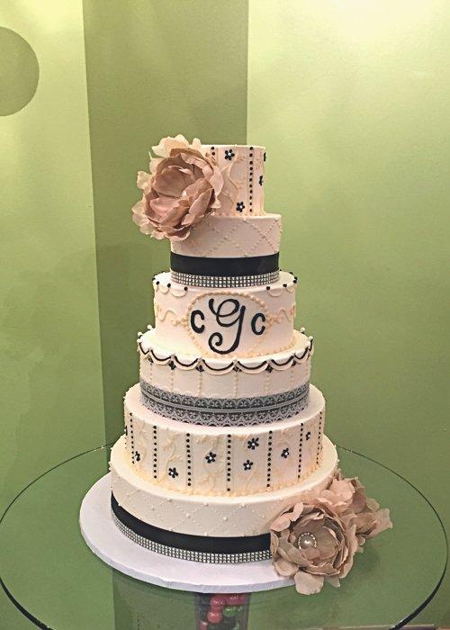 Ana Wedding Cake - Black & White