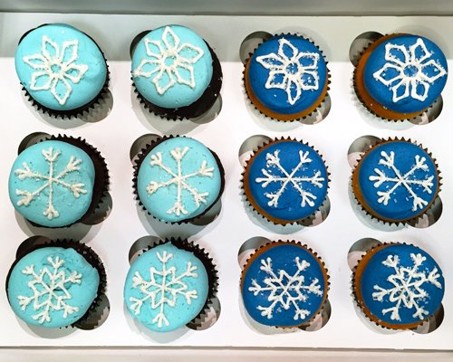 Snowflake Decorated Cupcakes