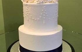 Teardrop Chandelier Tiered Cake