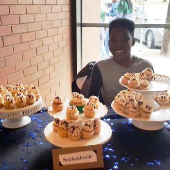 Snickerdoodle Cupcake Display - Cole