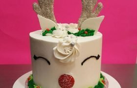 Reindeer Layer Cake - White
