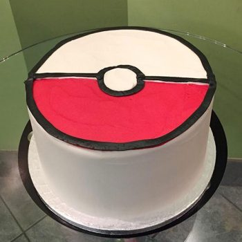 Pokémon Ball Layer Cake - Back
