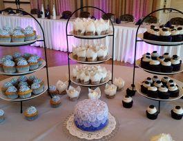 Polish Center Franklin Wedding Cupcakes - Black & White Gallery