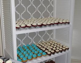 Villa Filomena Milwaukee Wedding Cupcakes - Unique Cupcake Display Gallery