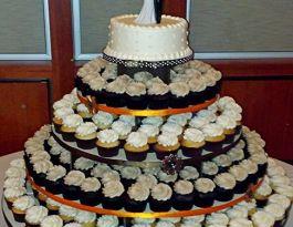 War Memorial Milwaukee Wedding Cupcakes - Cupcake Trees Gallery
